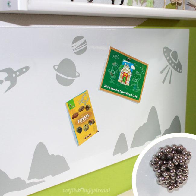 pinnwand mal anders mit planeten und magneten verflixt und aufgetrennt. Black Bedroom Furniture Sets. Home Design Ideas